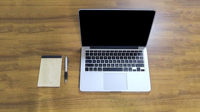 Vybavovanie byrokratických postupov online z pohodlia nášho domova