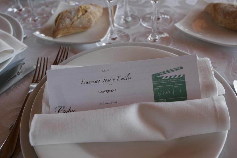 Svadobná hostina, tanier, papier s potlačou.jpg