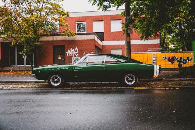 zelené štýlové auto.jpg